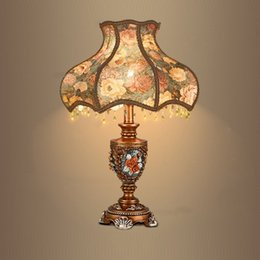 Wholesale Classical Study Table - Luxury European Resin Bedroom Beside Table Lights Classical Creative Study Room Desk Lamp Living Room Table Lighting Fixtures