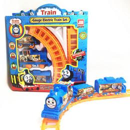 Argentina Tren Conjunto de tren de tren juguete Tomas papig clásico paquete de regalo de juguetes para niños / Car Track Electric Toy Educativo VS le Suministro
