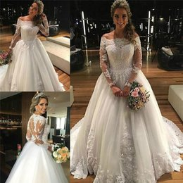 Wholesale White Sleeved Princess Dresses - Garden Off Shoulder Princess Wedding Dresses 2017 Long Sleeved Winter Vintage Bridal Gowns Tulle Appliqued Lace Vestido De Noiva Manga Longa