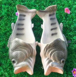 Uomini sandali fatti a mano online-2017 caldo stile di pesce morbido sandali da spiaggia pantofole scarpe casual per donna uomo pantofole famiglia tipo creativo fatti a mano personalità pesce bambini