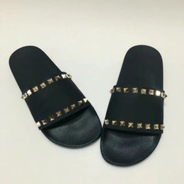 Wholesale Ladies High Quality Slippers - 2017 Rivet shoes Lady Brand Flats Shoes Summer Slippers Leather Non-slipping Sole High Quality Original Package (Dust Bag,Gift Box) #530VT1