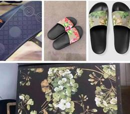 Wholesale Gold Flip Flops For Women - Hot Fashion slide sandals slippers for men and women Sandals WITH BOX Designer flower printed unisex beach flip flops slipper BEST QUALITY