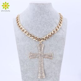 Wholesale Metal Chunky Chain Gold - New Fashion Gold Metal Chunky Chain Clear Crystal Big Cross Pendant Necklace