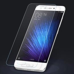 10 Unids / lote 2.5D 0.26mm Vidrio templado de alta calidad para Xiaomi Mi3 Mi4 Mi5 5C 5S Plus Mi6 Xiaomi Mix Max Note2 Protector de pantalla de la película endurecida desde fabricantes