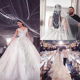 prinzessin stil kristalle schatz Rabatt Luxus Spitze Ballkleid Brautkleider V-Ausschnitt 2019 Dubai Arab Cathedral Brautkleid Sweep Zug Backless Kristall Brautkleid Plus Size