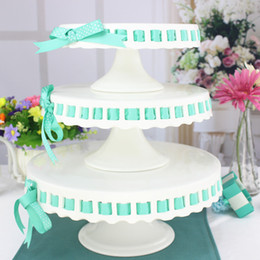 Wholesale Ceramic Wedding Cakes - Wholesale-Fashion ceramic tableware tall cake pallet cake stand dessert fruit plate wedding ribbon Pastry Stand