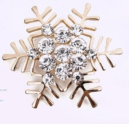 Wholesale Engagement Cakes - Sell like hot cakes brooch Han edition set auger Christmas snowflake high-grade alloy brooch corsage, Christmas gift free shipping 2 colors