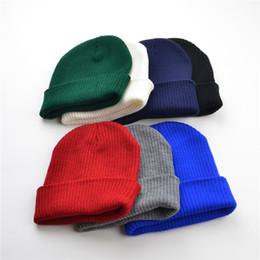 Sombreros esposados online-Hombre Sombreros de Invierno Para Mujer Gorro de Gorro Unisex Con Puño Liso Cráneo Gorro Tobogán Gorro de Punto Muy Suave