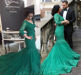 Wholesale Nude Corsets - 2017 Arabic Evening Dresses V Neck Hunter Green Lace Appliques Beaded Mermaid Custom Corset Back Court Train Formal Prom Dress Party Gowns