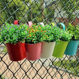 Wholesale Metal Wall Flower Planters - D10*H15.5cm Metal Planter Pot Garden Iron Pots Flower Hanging Bucket Vintage Wall Decoration Balcony Planter ZA4122