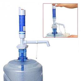 dispenser pompa acqua potabile in bottiglia Sconti 1pcs all'ingrosso portatile pompa ad acqua elettrica dispenser per 5 galloni Bottiglia di acqua potabile