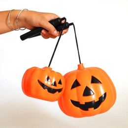 Deutschland Halloween Dekoration Requisiten Lächeln Gesicht Kürbis Candy Taschen Korb LED Laterne Handwerk Ornament S M L größe Erhältlich Versorgung