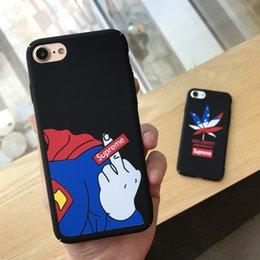 2019 étuis drapeau iphone Pour Iphone 6 cas de téléphone portable Anime Cartoon Superman Erect Moyen Doigt Maple Leaf Flag Téléphone Mobile Shell Iphone 7 6 6s Plus promotion étuis drapeau iphone