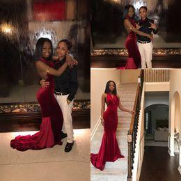 Vestido de terciopelo rojo hasta el suelo online-Sexy vino rojo borgoña terciopelo africano vestidos de baile sirena hundiendo cuello en v sin mangas hasta el suelo vestidos de noche vestidos de fiesta