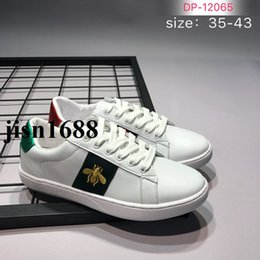 Wholesale Dark Tiger - 2017 new arrival mens and womens fashion causal leather shoes with bee tiger embroidery size euro35-43