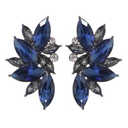 Wholesale Wedding Flower Earrings - Flower Design Earrings Stud New Fashion Jewelry Colorful Rhinestone Stud Earrings Fashion Wedding Jewelry Women Catkins
