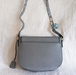 Wholesale Quality Saddles - Free delivery New perfect quality handbags for women Europe retro shoulder bag saddle bag lock bag