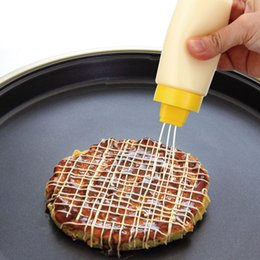 Canada Bouteille de sauce à 4 trous de type Silicone pour huile de mayonnaise à la confiture de Ketchup Offre