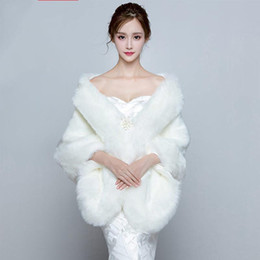 Wholesale Wedding Coats For Women - White Elegant Winter Wedding Fur Coat Manteaux Mariage Blanc Wedding Jacket Formal Shrugs For Women Coat Winter 2017 In Stock