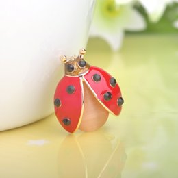 Wholesale Wholesale Small Spring Clips - Wholesale- Spring Summer Bijoux Gold Plated Red Ladybug Brooches Women Girls Dress Holiday Jewelry Small Beatles Corsages Pins Up Clips