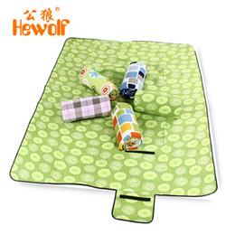 Wholesale china climb - Wholesale- 200*150cm Moistureproof Camping Mat Outdoor Picnic Beach Mat Baby Climb Plaid Blanket Beach Mat China Shop Online