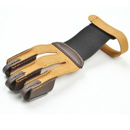Wholesale Archery Shooting Glove - 3 Finger Bow arrow broadheads Archery Hunting Shooting Glove Leather Finger Tip Protector Finger Guard Pull Archery