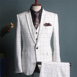 Si adatta al colore bianco online-2018 New White Colour Pant Coat Design Uomo Abiti da sposa Immagini Sposo Suit Suit all'ingrosso L-K-15