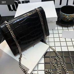 Argentina Patrón de cocodrilo de alta calidad Vintage mujeres bolso de cuero genuino Top cuero de vaca color plata bolso de borlas de cadena con caja de polvo Suministro