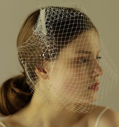 Wholesale vintage birdcage veils - Classical Birdcage Wedding Veils Headpieces Mesh Short Bridal Veils Vintage Beaded Decor Net Face Covered Veil CPA965