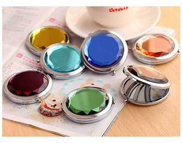 Wholesale Crystal Mirror Logo - Mixed Colors Cosmetic Pocket Compact Stainless Makeup Mirrors Travel Must Fashion Cute Design Logo Print Wholesale wa3610
