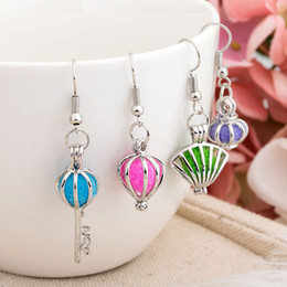 Wholesale Locket Chandelier - Newest Hollow Pendant Earrings Set Aromatherapy Perfume Locket With Pads Essential Oil Diffuser Pendant DIY Fragrance Flower Many Design