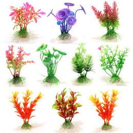 10 Pz / lotto Piccolo Multri-Color Piante Artificiali Acquario Piante Acquatiche Paesaggio ornamento erba di plastica pianta serbatoio di pesce decorazione Decor da