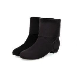 Zapatos de cuña de cuero nobuck online-Botas de las mujeres de la moda flock nobuck cuero 2017 señaló mediados de pantorrilla botas de gamuza otoño cuña zapatos mujer botas negro envío gratis