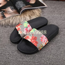 Wholesale Womens Sandals White - new arrival 2017 mens and womens fashion causal beach sandals red flower blooms print slide sandals 11 colors
