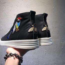 männer italienische stiefeletten Rabatt Luxus Neue Mens High Top Schuhe Magpie Bee Knöchel Echtem Leder Flache Heels Casual Sneaker Trainer Stiefel Italienischen Größe 38-44