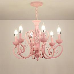 Wholesale Pendentif en fer forgé moderne lustres lustres lustres Vintage plafonniers luminaires bougies E14 éclairage fer blanc rose bleu éclairage à la maison