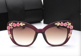 Wholesale Flower Sunglasses - 2017 New Colors Trendy Baroque Sunglasses Placard Same Eyewear Big Frame Carved Flower Design Sun Glasses Cat Eye Frame 6 Colors