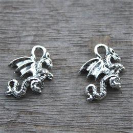2019 al por mayor encantos de ovejas 20pcs Encantos del dragón de plata - 3D Dragon Pendants Encantos de fantasía Dragon Beads 21x13mm