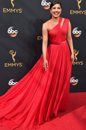 Wholesale Evening Dresses Out Shoulder - Priyanka Chopra Cut Out 2016 Emmy Awards Red Celebrity Dresses One-Shoulder A-Line Chiffon Tony Goldwyn Red Carpet Evening Gowns 2017