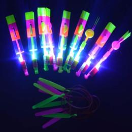 tir à lame en gros Promotion Gros-Fun enfants incroyable flèche hélicoptère Slingshot LED jouet vol jouets de nuit mariage enfants fête faveur Noël Nouvel An