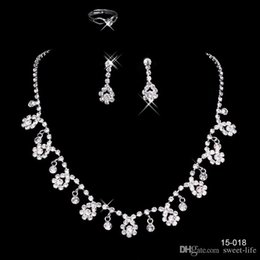 Wholesale Hot Setting - 2017 Cheap 15018 Frere Ship Hot Sale Holy White Rhinestone Crystal Flower Earring Necklace Set Bridal Party