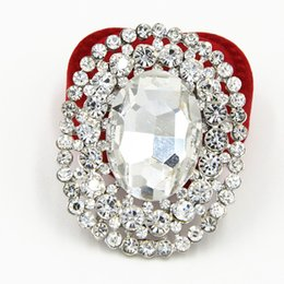 Wholesale Wholesale Bling Brooches - Bling Bling Crystal Luxury Huge Oval Shaped Glass Crystal Women Brooch Bridal Bouquet Pin For Lady Special Women Pin For Hijab Wear Broach