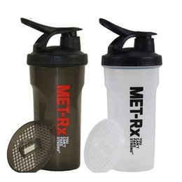Wholesale Customized Fitness - 700ml BPA Free Plasitc Gym Protein Shaker Jar Sports Water Bottle Direct Drinking Shaker For Workout Fitness Training Men Logo Customized