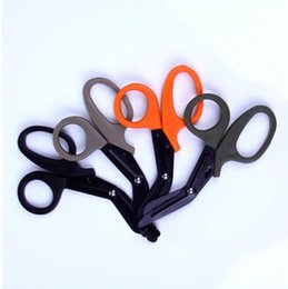 Wholesale 2017 EDC gear tactical rescue scissor trauma gauze IFAK emergency first aid Shears outdoor Paramedic bandage tijera rescate camp