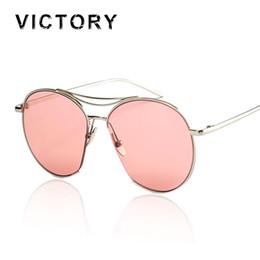 Wholesale Stylish Ladies Sunglasses - Wholesale-New 2016 Brand Designer Oversized Gradient Sunglasses Women Female Stylish Men Shades Lady Sun Glasses Metal Temple Good Quality