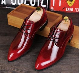 Wholesale Trendsetter Shoes - New Men Top Brand Designer Shoes trendsetter pointed Glittering leather shoes For Men Oxford Part dress Homecoming Prom wedding shoes