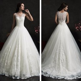 Wholesale Fashionable Plus Size Wedding Dresses - Free shipping New Fashionable High Quality Lace Princess Wedding dresses 2017 Sexy Luxury Wedding Gowns Free Veil
