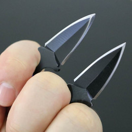 Wholesale High quality double edge claw karambit knife throwing knife thorns kiife outdoor gear knife