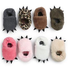8 cores Bebê escovado pata Sapatos infantis mocassins de pelúcia interior todders peludo pata inverno sapatos quentes primeiros caminhantes animais cosplay adereços para 0-2 T de