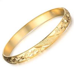 Pulseira feminina de ouro amarelo 18k on-line-Venda por atacado - 2pcs / lots charme pulseira das mulheres Jóias 18k Yellow Gold Filled Lady Cuff Bangle 60 milímetros HandCarved Pulseira 10 milímetros de largura das mulheres